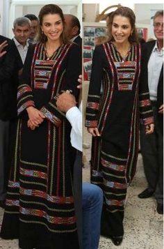 Queen Rania of Jordan  Broderie Palestinienne, Familles Royales, Vêtements  Femmes, Haute Couture 2ad2c788d3e
