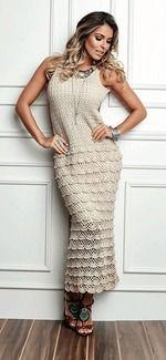 Это вечернее платье имеет открытую спину а юбку украшают нежные оборочки. Такой наряд подойдет для любого торжества. Размер 38\40 Пряжа Crculo – Anne 500 – 5 мотков. Крючок n 1,75мм.
