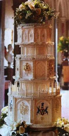 Downton Abbey wedding cake ♥ ~Not for me but it's really cool