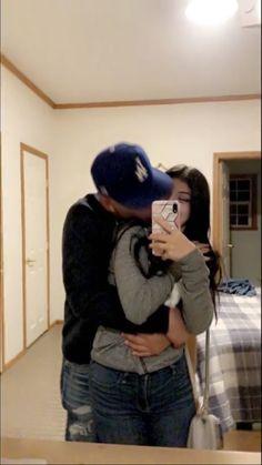 Cute Relationship Photos, Couple Goals Relationships, Love Boyfriend, Boyfriend Goals, Couple Goals Teenagers, Cute Couples Goals, Cute Couple Dancing, Cute Couple Pictures, Couple Pics