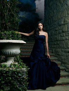 Нина Добрев — Фотосессия для «Дневники вампира» 2010 – 6