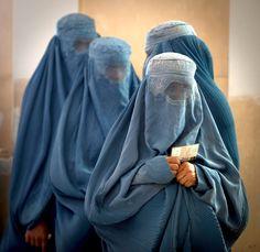 Vollverschleierung: Unionsinnenminister wollen Burka-Verbot light - SPIEGEL ONLINE - Politik