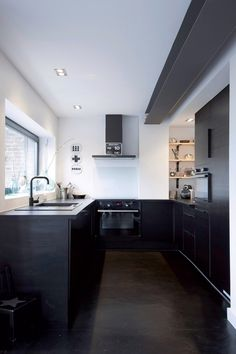 Cuisine épurée House, Interior, Home, Bookshelves Built In, Interior Architecture, Deco, Loft Design, Kitchen, Kitchen Style