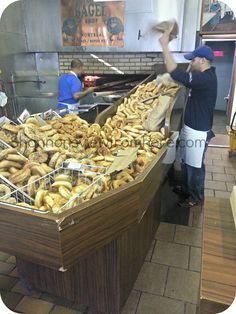#St-Viateur Bagels oven make the best bagels  #montreal #bagels  Just had brunch there last week, wonderful!!