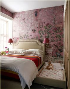 有點「娘」的粉紅中式牆紙,反而幾型!
