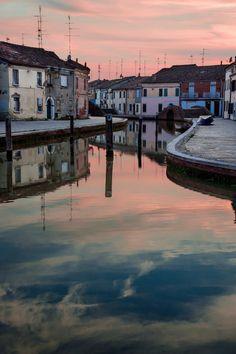 https://flic.kr/p/tjuwkP | Tramonto a Comacchio, foto di Vanni Lazzari
