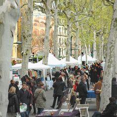 Need a gift for a fitness freak? Lyon France, Belle Villa, Destination Voyage, Fitness Gifts, World Market, Paris, Destinations, Street View, Shops