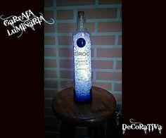 #luminaria#abajur#garrafadecorativa#decoracao#bares#bar#designer#vodka#sabado#led#luminariagarrafa