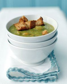 Add crunch to your lunch with Martha Stewart's split pea soup with ham and homemade whole-wheat croutons. Use leftover ham to make split pea soup prep even easier. You'll turn to this split pea soup with ham all winter long. Split Pea Ham Soup, Split Pea Soup Recipe, Pea And Ham Soup, Ham Recipes, Soup Recipes, Cooking Recipes, Recipies, Carrot Recipes, Chili Recipes
