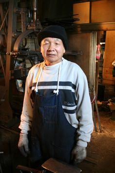 Blacksmith Kajiwara-san.