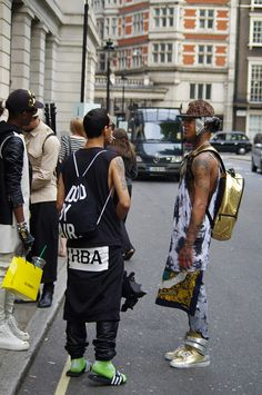 #gold #black What do you think? || Streetstyle Inspiration for Men! #WORMLAND Men's Fashion