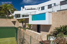 pared de cristal en piscina. | Blog piscinas Gunitec Concept Pools #pool #piscina #piscinadecristal #design