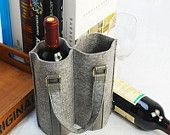 Felt Double Wine bag Wine set Fabric wine bag by lavievert on Etsy Wine Tote Bag, Wine Bags, Wine Carrier, Gift Wraping, Wine Packaging, Bottle Cover, Bottle Bag, Fabric Bags, Felt Diy