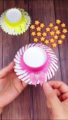 Paper Flowers Craft, Paper Crafts Origami, Paper Crafts For Kids, Preschool Crafts, Origami Cup, Paper Cup Crafts, Flower Paper, Origami Easy, Diy Crafts Hacks