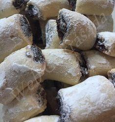 Mákos linzertekercs Cake Cookies, Fondant, Biscuits, Stuffed Mushrooms, Vegetables, Food, Easter, Cakes, Christmas