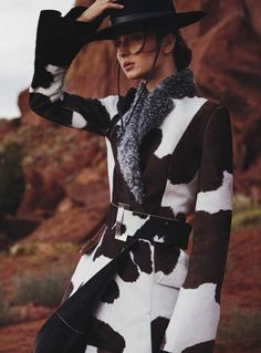 """Waleska Gorczevski stars in """"Still Life"""" by Will Davidson for Vogue Australia October 2015 [editorial] Estilo Cowgirl, Cowgirl Chic, Cowgirl Style, Cowgirl Fashion, Vogue Australia, High Fashion, Womens Fashion, Le Far West, How To Pose"""