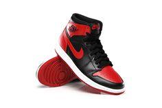 """Return of the Air Jordan 1 Retro High OG """"Bred"""": The iconic sneaker is hitting the shelves for the first time since Air Jordan Retro, Jordan Retro 1 Bred, Jordan 1 Retro High, Jordan 1 Red, Nike Free Runners, Nike Air Jordans, Shoes Jordans, Reebok, Nba"""