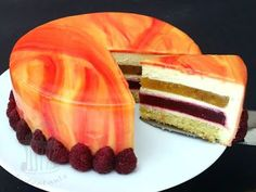 Mirror glaze cake, inside Pfirsich Melba layers and white chocolade mousse