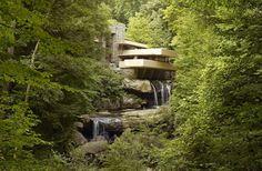 Fallingwater (aka Kaufmann Residence) In Pennsylvania, US. Designed by Frank Lloyd Wright In 1935 - Fallingwater (aka Kaufmann Residence) In Pennsylvania, US. Designed by Frank Lloyd Wright In 1935
