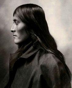 Bartelda, San Carlos Apache. Omaha; Douglas County; Nebraska; USA. Photographed 1898.