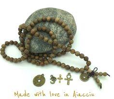Long collier homme bouddiste 108 perles de bois de santal ( ou bracelet multirangs ) : Bijoux pour hommes par made-with-love-in-aiacciu