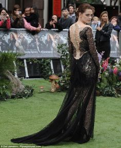 Who is the fairest of them all? Kristen Stewart and Charlize Theron smoulder in gothic glamour at Snow White and the Huntsman world premiere
