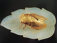 Antique gold cicada on jade leaf of China This was my favorite peace in the Ming Exhibition @ Nieuwe Kerk Amsterdam