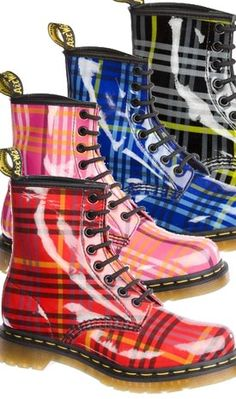 Dr Martens McMarten Tartan 1460 Dr. Martens, Botas Dr Martens, Doc Martens Boots, Tartan Shoes, Tartan Plaid, Botas Boho, Bootie Boots, Shoe Boots, Tweed Run