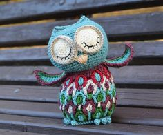 Dancing Owl loves the music. She is very often dancing in the silence (with the music inside her head) when nobody sees her. But when you suddenly see her dancing, she pretends to be sleeping :) This owl will make a great colorful gift for your relatives or friends. I bet kids will love her! She has a nicely structured body with imitation of feathers and embroidered eyes and beak - and thus is suitable for small children.