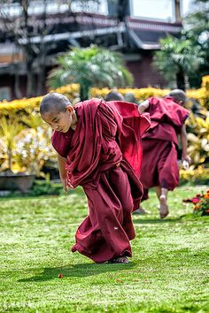 Monks on a playful mood....Bouddha  Kathmandu #3TN Travel Tour Trek Nepal