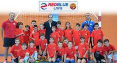Participantes del Clinic de la 'Academia Red Blue Limones 5' junto con Jesús Herrero (Inter Movistar)
