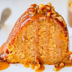 Sweet potato sour cream pound cake is as decadent as it sounds.Topped with a luscious maple pecan praline sauce. Sweet Potato Pound Cake, Sour Cream Pound Cake, Sweet Potato Recipes, Sweet Potato Cheesecake, Pound Cake Recipes, Easy Cake Recipes, Baking Recipes, Pound Cakes, Cake Receipe