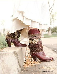 << Bohemian cougar >> tapestry fringed boots