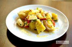 Salata de cartofi Fruit Salad, Potato Salad, Healthy Recipes, Healthy Food, Potatoes, Vegetables, Ethnic Recipes, Apple, Salads