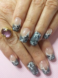 Grey gel with one stroke flower nail art