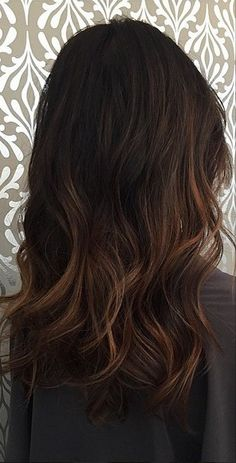Hair Color Ideas For Brunettes For Fall Winter Summer subtle brunette balayage highlights. Are you looking for hair color id Balayage Highlights, Balayage Hair, Brown Balayage, Auburn Balayage, Subtle Brunette Highlights, Bayalage Black Hair, Baylage Ombre, Fall Balayage, Auburn Highlights