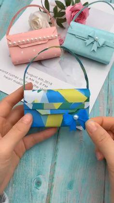 Cool Paper Crafts, Paper Crafts Origami, Diy Paper, Fun Crafts, Diy Crafts For Girls, Diy Crafts Hacks, Diy For Kids, Paper Purse, Mini Craft