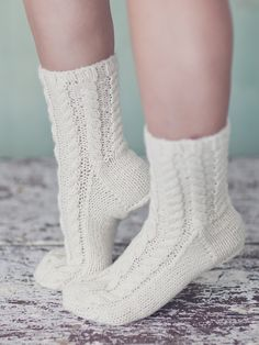 Hand-knitted socks embellished with a stunning cable pattern. Lace Socks, Wool Socks, Knitting Socks, Baby Knitting, Knit Shoes, Sock Shoes, Little Cotton Rabbits, Knitting Videos, Crochet Slippers