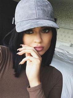 "wanna-be-kardashian: ""Kylie: ""Kendall's House"" "" Kyle Jenner, Style Kylie Jenner, Kendall E Kylie Jenner, Kylie Jenner Outfits, Kardashian Jenner, Kourtney Kardashian, Jenner Girls, Suede Hat, Suede Leather"