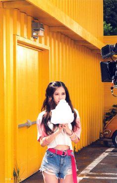 Perfect ♥ As if it's your last kamera arkası resimlerinden. -YoungHee~