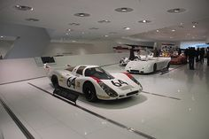 De carro pela Europa: uma visita a Stuttgart para ver os museus da Porsche e Mercedes-Benz - FlatOut!