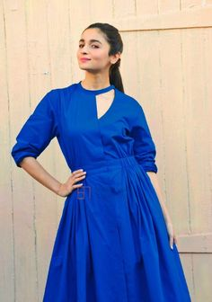 Alia Bhatt Promotes Badrinath Ki Dulhania in Jaipur and Later In She Is Spotted In Meheboob Studios Dress Neck Designs, Blouse Designs, Pakistani Dresses, Indian Dresses, Kurti Embroidery Design, Kurta Neck Design, Indian Designer Suits, Kurta Designs Women, Kurti Designs Party Wear
