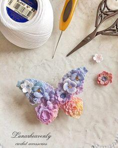 蝶々のクリップ 夜明けの空色をイメージしたグラデーションに。 #crochet #crochetflower #butterfly #レース編み #かぎ針編み