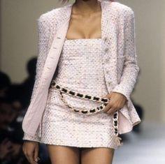 New fashion runway chanel outfit 64 ideas Chanel Fashion Show, Look Fashion, 90s Fashion, Runway Fashion, High Fashion, Vintage Fashion, Fashion Outfits, Womens Fashion, Fashion Design