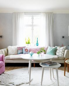 Loving this pastel colour scheme. A bright coloured Lolliclock rock would be right at home here!