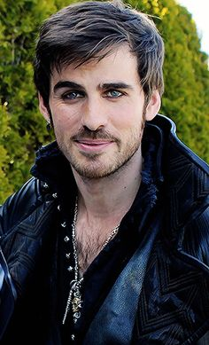 Captain Hook Killian Jones Colin O'Donoghue Once Upon a time
