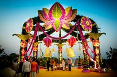 Wedding Hall Decorations, Marriage Decoration, Engagement Decorations, Flower Decorations, Indian Wedding Theme, Indian Reception, Indian Theme, Indian Weddings, Ganpati Decoration Theme