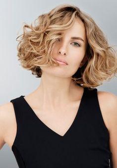 49 Meilleures Images Du Tableau Coiffure Mi Long Cheveux Courts