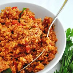 Hearty and bursting with Mediterranean flavors, this bulgur pilaf is so quick to prepare for a weeknight dinner and goes great with grilled meat or fish. Baby Food Recipes, Dinner Recipes, Cooking Recipes, Healthy Recipes, Turkish Recipes, Ethnic Recipes, Bulgur Salad, Grilled Meat, Side Salad