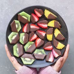 Brighten Up Your Breakfast and Desserts with These Stunning Vegan Treats - Healthy Dessert Cute Food, I Love Food, Yummy Food, Vegan Recipes, Snack Recipes, Vegan Food, Vegan Treats, Amish Recipes, Dutch Recipes